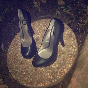G by Guess stiletto pumps size 6.5 black
